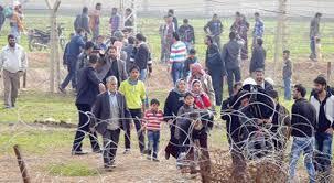 الأكراد السوريون يعبرون الحدود الى تركيا هربا من بطش