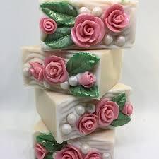 Goat milk <b>soap</b> with <b>soap</b> dough roses . <b>Мыло</b> из козьего молока ...
