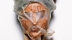 Почему вам стоит отказаться <b>от тканевых масок</b> | Vogue Russia