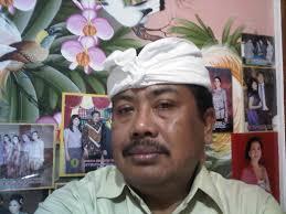 Kanda Pat adalah Empat Teman: Kanda = teman, Pat = empat, yaitu kekuatan-kekuatan Hyang Widhi yang selalu menyertai roh (Atman) manusia sejak embrio ... - img00729-20120201-0753