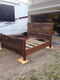 recycled pallet queen size bed pallet furniture dunway enterprises for more info bedroomeasy eye upcycled pallet furniture ideas