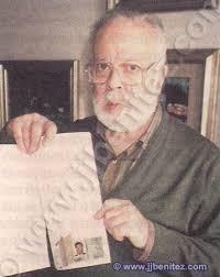 Camilo Alonso Vega, ministro de la Gobernación (hoy llamado del Interior). Jorge Barrenechea, el hombre que halló el micrófono en la sede de Eridani, ... - ummitasC60027