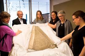 Helgelands Blad - «Ny» bispekåpe på <b>Petter Dass-museet</b>
