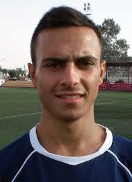 Álvaro García comenzó a jugar en la Escuela Municipal de Futbol para continuar posteriormente en el C. D. Utrera haciéndolo el ultimo año juvenil en el Goyu ... - utreraweb.com.kyV7qgzwC9r5cKmK6wWxHl4wUqR5gHKi6HeGUWA0HBisqZuVJ5