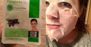 <b>Collagen Essence</b> Sheet <b>Masks</b>