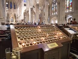 Предложения <b>свечи</b> на соборе St. Patrick в Нью-Йорке ...