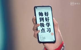 """Tiếp tục lộ hình ảnh trên tay Huawei Nova 4, nốt ruồi to và """"kém ..."""
