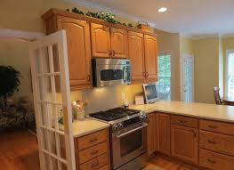 wall color ideas oak:  oak kitchen wall colors maple cabinetsjpg paint colors for kitchen with cherry cabinets kitchen wall colors