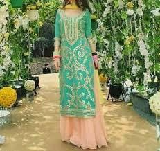 Pin by Richa Kumra on clothes | Pakistani <b>outfits</b>, <b>Indian outfits</b> ...