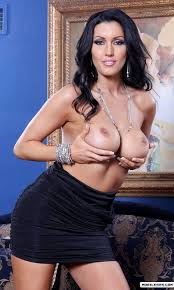 Need someone to do some kitchen work ? Cooking and cleaning are optional . Dylan Ryder. :) ,. topatal … - P-514132-fGglVgv04B-1