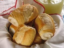 Resultado de imagem para foto de uma cesta de pães