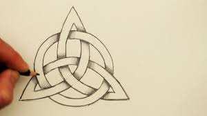 How to Draw a <b>Celtic Knot</b>: The Triquetra with a Circle - YouTube