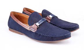 7 Best <b>Men's Loafers</b> That Are Comfortable & Look Terrific 2020