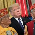"""Trump sorgt mit """"Pocahontas""""-Spruch bei Ehrung von Ureinwohnern für Empörung"""