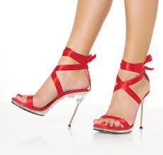 8خطوات لإرتداء الكعب العالي بدون ألم images?q=tbn:ANd9GcQ