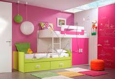 Children's bedrooms by Dearkids: A splash of color and a dash of ...