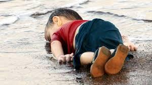 Resultado de imagem para alan kurdi menino sírio