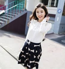 Nguyên tắc đơn giản giúp bạn mặc váy midi đẹp chuẩn Images?q=tbn:ANd9GcQ6idqCdccHUxHLX0zIBjYxmfp7ER4kr_Tkr73-GUpCouJOMfbxlg
