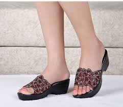 - Beautiful jewel platform sandals for any casual look - <b>6 cm</b> heel - 3 ...