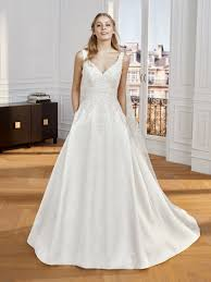 A-line wedding dress with V-neck | St. Patrick