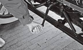 「1915 car engine starting clank」の画像検索結果