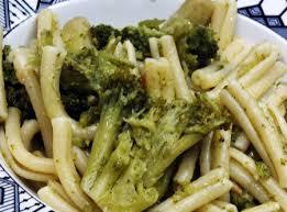 Resultado de imagem para imagens de receitas de macarrão a alho e óleo