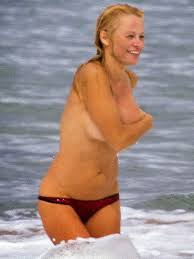 Uncensored Gutter Pamela Anderson Topless Bikini Candid Photos On A Beach In France