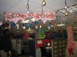 cool cool diy office whoville christmas office decorating ideas awesome cubicle decorations