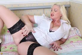 Mature.eu Hot British Housewife With Big Breasts Get Off. thumb.