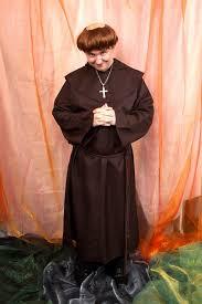 Znalezione obrazy dla zapytania mnich
