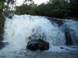 Resultado de imagem para fotos de pocinhos do rio verde mg
