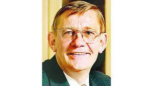 Der jeversche Unternehmer Dr. <b>Karl Harms</b>, Inhaber der Certus <b>...</b> - 1_200810-02_1044967h_c8_2704856