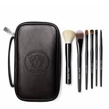 <b>Bobbi Brown Classic Brush</b> Collection | TANGS Singapore