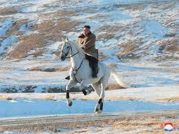 North Korea's Kim Jong Un riding a <b>large white horse</b> on a sacred ...