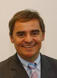 Peter Müller, saarländischer Ministerpräsident und Bundesratspräsident, begibt sich vom 26. bis 28. Februar nach Paris und nimmt dort an der ... - muellpe0-2
