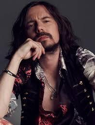 Sergiusz Fabian Sawicki, koszaliński muzyk, gitarzysta i kompozytor nie żyje. Zmarł w piątek 23 sierpnia 2013 roku. Miał 38 lat. - sergiusz-fabian