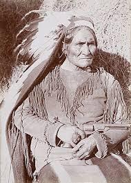 Ο θρυλικός Ινδιάνος, Τζερόνιμο.  Images?q=tbn:ANd9GcQBzGVKghAOr4y8DkTPI83OGPxBFCmJty7cc8qWZCY4eFw2bVUz