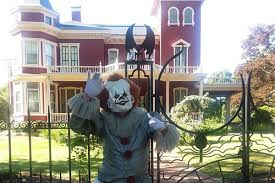 <b>Pennywise</b> From It Spotted Outside <b>Stephen King's</b> House In Maine