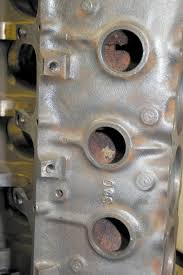 techtips rebuild basics for pontiac short blocks pontiac blocks featured two ze plugs per side through 1966 another was added in 1967 bringing the total to three this is a quick and easy way to