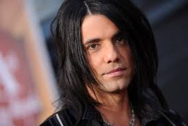 Criss the Angel - criss-angel Photo - Criss-the-Angel-criss-angel-20553860-500-335