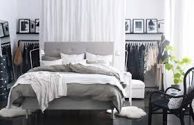 1000 images about dreamy bedrooms in grey and white on pinterest grey bedrooms grey bedroom colors and bedrooms bedroom grey white bedroom