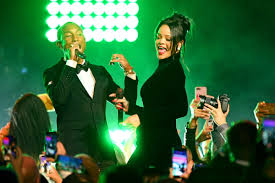 Rihanna Performs 'Lemon' With Pharrell Williams at <b>Diamond</b> Ball ...