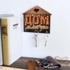 Ключницы настенные. Недорогие подарки до 500 рублей.