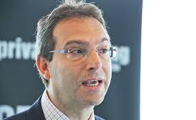 <b>Michael Levy</b> von Baring Asset Management referiert über . - 1563.18_Private_Banking_Kongress_Hamburg_2013_2057_web