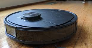 This robot vacuum solves the Roomba's biggest problem: Getting ...
