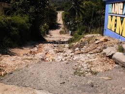 Resultado de imagen para fuertes lluvias destruyen caminos en polo