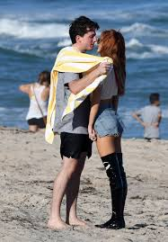 new couple alert pics of bella thorne charlie puth heating up instar belle thorne 1980