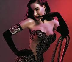 Scandalo a Binzago per lo spettacolo di burlesque
