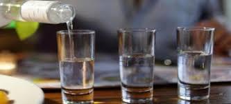 Αποτέλεσμα εικόνας για φωτο εικονες  με ποτα και τσιπουρα