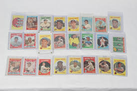 sports auctions 1959 topps baseball near set 568 572 incl willie s stan musial sandy koufax roger maris ernie banks roy campanella roberto clemente etc